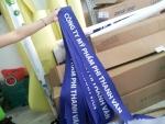 Dịch vụ in ấn silk giá rẻ làm dải băng đeo chéo cho nhân viên gian hàng Gạch 3D nghệ thuật Mạnh Trí tại hội chợ VietBuild